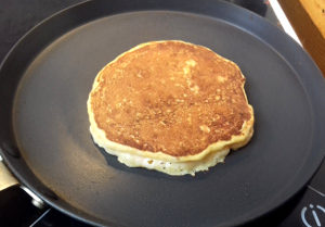 Parmezános sütőtökös palacsinta sütése 2